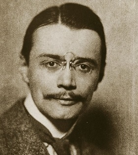 portrait of Eberhard Arnold as a young man